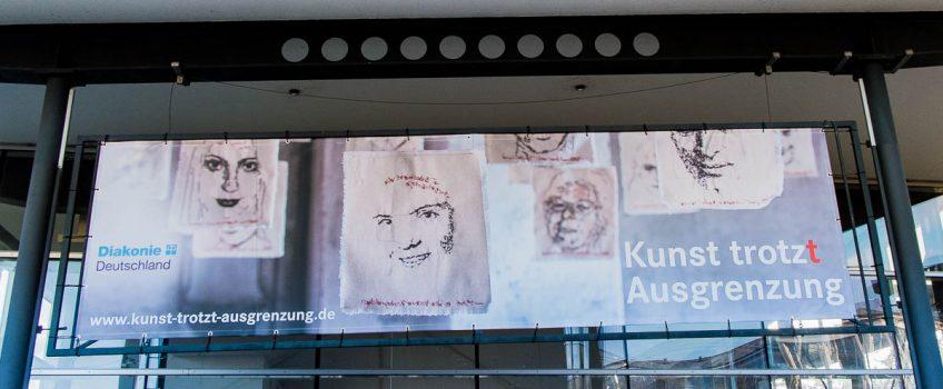 Neue Wanderausstellung der Diakonie Deutschland mit landesweitem Medieninteresse eröffnet